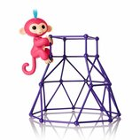 WowWee Fingerlings Интерактивная ручная обезьянка с площадкой Aimee Baby Mo