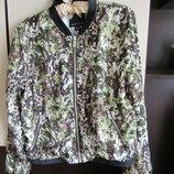 Красивая и стильная кофта ветровка летняя куртка бомбер