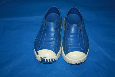 Кроссовки-Кроксы для мальчика или девочки р-28 10 в хорошем состоянии