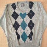 Продам в новом состоянии,фирменный H&M,красивенный джемпер,свитер, 6-8 лет.