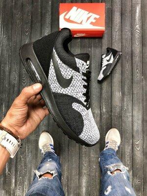 Кроссовки мужские Nike Tavas