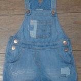 Красивый джинсовый комбинезон Next примерно 2-4 года