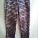 Стильные зауженные к низу брюки XL