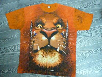 Новая, интересная футболка в 2-х размерах.