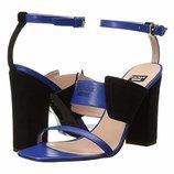 Boutique Moschino Tri-Strap Heel, оригинал