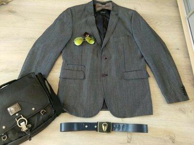 Шикарный фирменный мужской пиджак. Strellson. Швейцария. Бабочка в подарок.