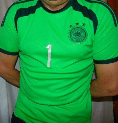 Спортивная фирменная футболка зб Германии .Neuer.м-л