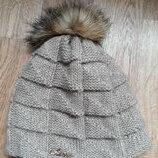 Вязанная шапка с бубоном мех пушыстый бубон