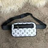 Поясная сумка Louis Vuitton Outdoor Bumbag Monogram Reflect белая