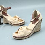 Модные женские босоножки на тонкетке, 38-39