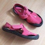 Фирменные босоножки для девочки Nike р.34