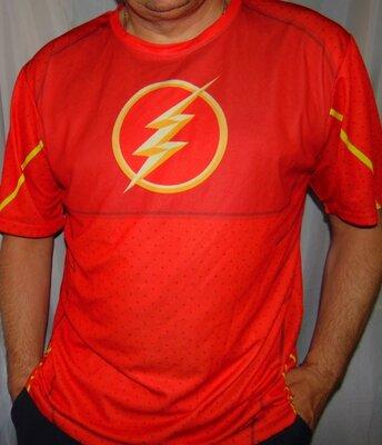 Стильная фирменная футболка Молния Marvel Марвел .л-хл .