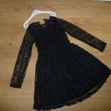 Гипюровое фирменное платья для школьницы