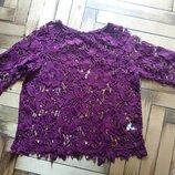 Яркая гипюровая блузка туника