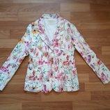 Красивый,стильный пиджак Zara р.152