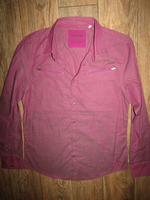 мужская рубашка р-р М бренд Guess