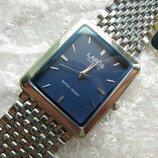 Часы кварцевые LAROS