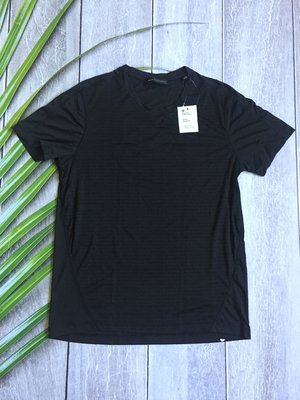 Черная футболка мужская спортивная
