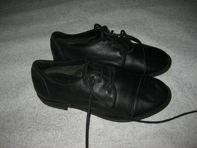 22,5 см стелька, кожаные туфли Zara девочке