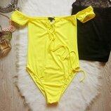 яркий желтый лимонный купальник со шнуровкой и рукавами открытые плечи высокая талия посадка