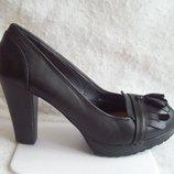 Туфли лоферы кожа, стелька 26 см.