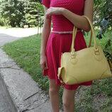 Яркая летняя сумка средних размеров