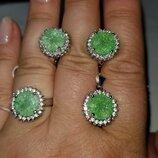 Серебряный набор 925 проба , зеленый опал.Размер кольца 17.5