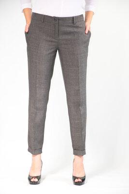 Женские брюки классические из льна от бренда Adele Leroy.