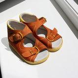 Кожаные детские сандалики 20 размер
