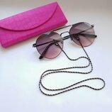 Medici- Тренд сезона- круглые очки с цепочкой