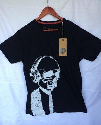 Продам новую футболку MR 520. С бирками. Недорого