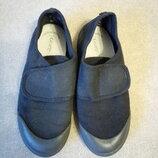Тапочки черные в школу фирмы George для мальчика р.34 стелька 21,5см