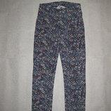 8-10 лет, плотные трикотажные штанишки лосины с цветочками от H&M