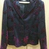 Пиджак нарядный фактурный в бордовый цветок