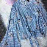 Штапельная блуза блузка в полоску с птицами журавлями и рукавами клеш от New Look