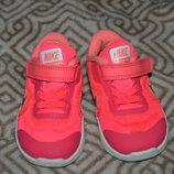 Кроссовки Nike оригинал 13.5 см размер 21 размер