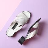 Стильные кожаные серебристые шлепанцы низкий каблук натуральная кожа