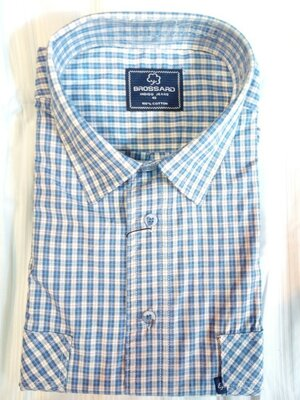 Коттоновая мужская рубашка в клетку с коротким рукавом.