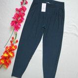 Шикарные летние струящиеся стильные брюки бананы темная бирюза Styled By.