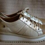 Изящные комбинированные кожаные сникерсы MLV shoes Португалия 38 р.