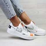 Кроссовки женские Nike Air Force 1 Just Do It white