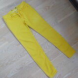 Штаны женские 38 р 28 джинсы желтые Pull & Bear