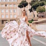 Шикарные Розовые платья из шелка Армани в принт Аисты