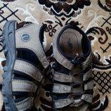 Босоножки кожаные Rohde 28 р 19 см. Отличное состояние сандалии