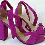 Летние очень красивые женские босоножки из натуральной замши на каблуке с завязками банты ленты