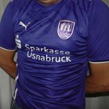Спортивная футбольная фирменная футболка Puma .m-l