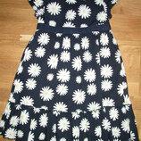 Фирменное шикарное платье на девочку ростом 116см