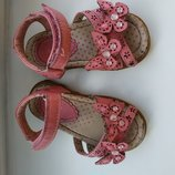 Босоножки, сандали для девочки.