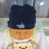 продам новую котоновую шапочку для новорожденного