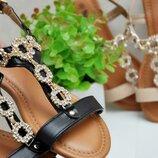 Женские босоножки с камнями со стразами сандалии черные, бежевые,пудровые,белые, шлепки